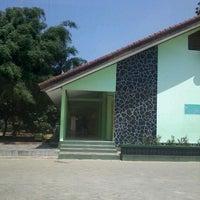 Photo taken at SMA Negeri 2 Bandar Lampung by Maddin D. on 9/14/2012