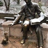 12/9/2017 tarihinde Mitchell L.ziyaretçi tarafından Hans Christian Andersen Statue'de çekilen fotoğraf