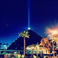 5/8/2013 tarihinde Conrado S.ziyaretçi tarafından Luxor Hotel & Casino'de çekilen fotoğraf