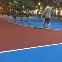 Photo taken at Buangkok Basketball Court by Foong Teng on 4/2/2015
