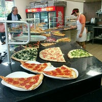 Photo taken at Zetti's Pizza & Pasta by Jonathan on 8/26/2015