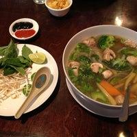 Photo prise au Thai's Noodles par Brian E. le9/22/2013