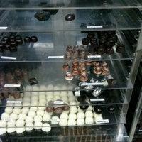 Photo taken at Chocolateria Caramel by Sergio C. on 5/2/2013