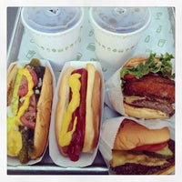 Photo taken at Shake Shack by Eelain S. on 5/12/2013