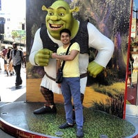 Photo taken at Hollywood Boulevard by Gelo d. on 6/20/2013