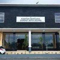 Photo taken at Kantor Bersama Samsat Kota Agung by Davit K. on 1/31/2014