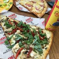 Das Foto wurde bei Big Mama's and Papa's Pizzeria von Oyko am 8/1/2016 aufgenommen
