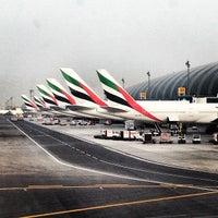 Снимок сделан в Международный аэропорт Дубай (DXB) пользователем Anton E. 7/14/2013