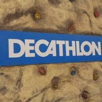 Foto tirada no(a) Decathlon por Allan M. em 12/21/2012