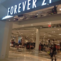 Photo taken at Forever 21 by Ana Paula G. on 5/13/2014