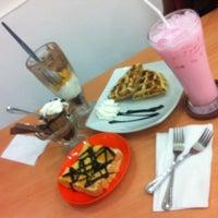 Photo taken at Ha Chai Ice~cream by Prawn W. on 1/31/2014