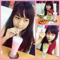 Photo taken at Ha Chai Ice~cream by Prawn W. on 2/5/2014