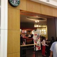 Photo taken at Starbucks by Eduardo M. on 12/8/2012