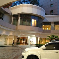 Photo taken at Sheraton Surabaya Hotel & Towers by AdzmatKhan M. on 1/10/2013