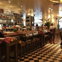 Das Foto wurde bei Cafe & Bar Celona von Thaís G. am 4/15/2016 aufgenommen