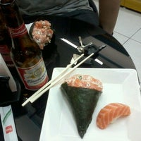 Photo taken at Sushi Redentor by Wesley L. on 10/7/2012