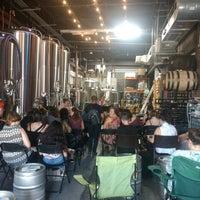 Foto scattata a Fifth Hammer Brewing Company da Fernanda d. il 8/9/2018