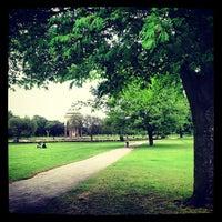 6/22/2013 tarihinde Adriaan P.ziyaretçi tarafından Victoria Park'de çekilen fotoğraf