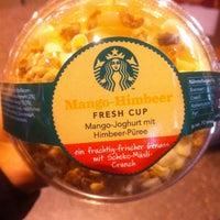 Das Foto wurde bei Starbucks von Elizaveta K. am 1/5/2013 aufgenommen