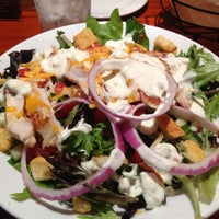 Photo taken at LongHorn Steakhouse by Brad M. on 4/29/2013