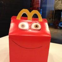 Foto tirada no(a) McDonald's por Roberto D. em 11/6/2012