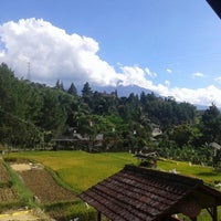 Photo taken at Villa Silma - puncak by Aiep H. on 12/28/2013