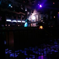 Foto tomada en Discoteca Mae West por Iviane L. el 6/10/2013