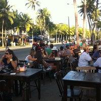 Foto tirada no(a) Kanoa Beach Bar por Valéria S. em 11/4/2012