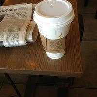 Das Foto wurde bei Starbucks von Thuy P. am 3/9/2013 aufgenommen