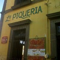 Foto tomada en La Piquería Mezcalería por Xavier R. el 7/14/2013