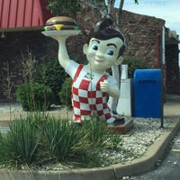 Photo taken at Frisch's Big Boy by Juice P. on 7/21/2015