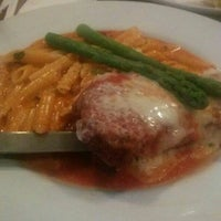 Photo taken at Melo's Pizza and Pasta by Mauricio C. on 2/7/2016