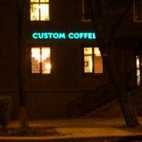 Снимок сделан в Custom Coffee пользователем Rindzin A. 4/29/2013