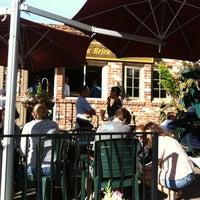 รูปภาพถ่ายที่ Brick & Bell Cafe - La Jolla โดย Stefanie C. เมื่อ 12/1/2012