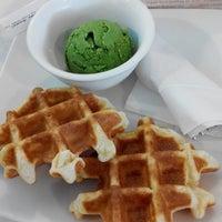Photo taken at Black Ball Dessert House by Leonardo L. on 9/20/2014