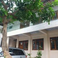 Photo taken at Akademi Analis Kesehatan Manggala by Hesti I. on 9/22/2012