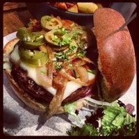 Снимок сделан в Carnaby Burger Co пользователем Shrimpress 4/24/2013