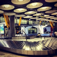 Photo taken at Adolfo Suárez Madrid-Barajas Airport (MAD) by ひでじい on 6/27/2013