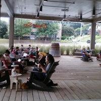 Foto tomada en Dancing Goats Coffee Bar por Diva D. el 9/16/2012