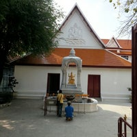 Photo taken at เทวสถาน (โบสถ์พราหมณ์) Dhevasathan (Brahmin Shrines) by Utain H. on 11/5/2012