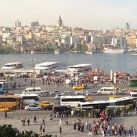 Das Foto wurde bei Eminönü Sahili von Ness G. am 5/10/2013 aufgenommen