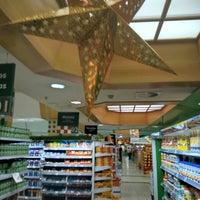 Foto tirada no(a) Master Supermercados por Andrey K. em 12/1/2015