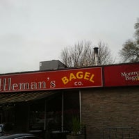 Photo taken at Kettleman's Bagel Co by Jeffy B. on 11/3/2012