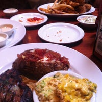 Photo taken at Cheddar's Casual Café by Lisa S. on 9/16/2013
