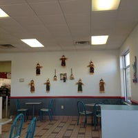 Photo taken at Taco Bell by Rostislav S. on 10/31/2012