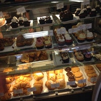Photo taken at Alice Bakery & Confectionary by Bo on 4/11/2014