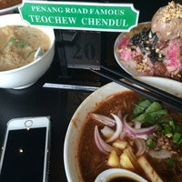 Photo taken at Penang Road Famous Teochew Chendul by deRoYan on 6/14/2014