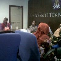 Photo taken at Blok Intelek by Khairul I. on 12/13/2012