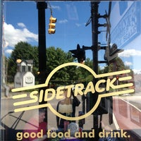 Foto diambil di Sidetrack Bar & Grill oleh Brian K. pada 8/3/2013