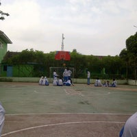 Photo taken at SMA Negeri 2 Kediri by Arnesia N. on 1/21/2014
